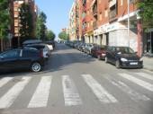 Prioritat l'estacionament de vehicles o la seguretat del vianants i caminants. Un cop més es pensa en clau de trànsit i no pas de mobilitat.